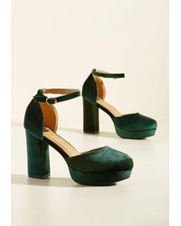 N.y.l.a. - Go With The Stride Velvet Heel In Pine - Lyst