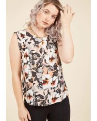 Sunny Girl Pty Lltd - Outfit It To Memory Sleeveless Top In Blooms - Lyst