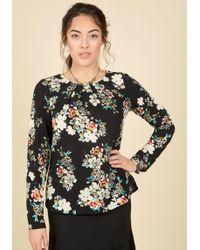 Sunny Girl Pty Lltd - Stylishly Certain Floral Top In Black Blooms - Lyst