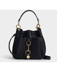 2dd6d7e8780 See By Chloé - Tony Medium Bucket Bag In Black Grained Calfskin - Lyst