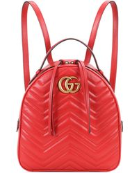 a26cfcb21e32 Gucci GG Marmont Matelassé Leather Backpack in Red - Lyst