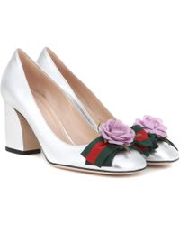 Gucci - Embellished Metallic Leather Court Shoes - Lyst