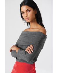 NA-KD - Offshoulder Light Knitted Sweater Grey - Lyst