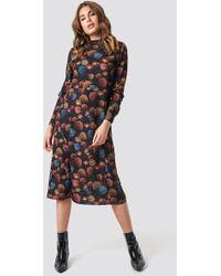 90485e83175 NA-KD - High Neck Cut Line Midi Dress Autumn Flowers - Lyst