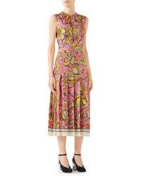 560397a82 Gucci - Alsacienne Print Pleated Silk Twill Midi Dress - Lyst