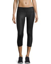 Alo Yoga - Airbrush Glossy Capri Sport Leggings - Lyst