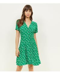 New Look - Green Ditsy Floral Button Front Mini Dress - Lyst