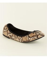 5d5b440d24b New Look - Wide Fit Faux Snakeskin Bow Front Elasticated Ballet Court Shoes  - Lyst