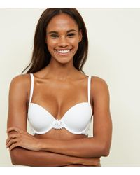 700205b2b1 New Look - White Lace Trim Low Cup T-shirt Bra - Lyst