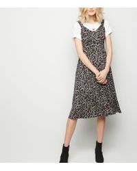 fbced70f64 New Look Petite Black Floral Button Front Midi Dress in Black - Lyst
