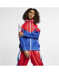 "Nike - Giacca a vento con cappuccio""Packable"" Sportswear Windrunner - Lyst"