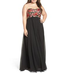Decode 1.8 - Floral Applique Strapless Gown - Lyst