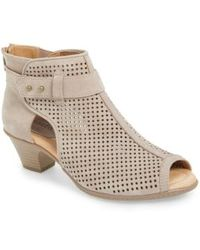 Earth - Intrepid Perforated-Leather Ankle Boots - Lyst