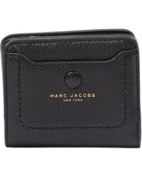 46f54359ee5 Marc Jacobs - Empire City Mini Compact Leather Coin Wallet - Lyst