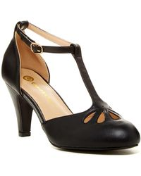 In Touch Footwear - Kimmy Cutout T-strap Pump - Lyst