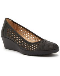 bee66e4fa27 Lyst - Naturalizer Hydie Wedge Heel Pump - Wide Width Available in Black
