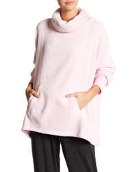 Hue - Solid Plush Long Sleeve Poncho - Lyst