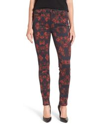 Jen7 - Floral Print Stretch Skinny Jeans (rouge Roses) - Lyst