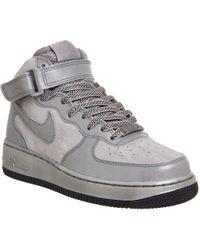 lyst nike air force 1 2007 metà come premio in grigio per gli uomini.