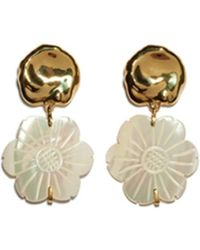 Lizzie Fortunato - Blanc Daisy Earrings In Mother Of Pearl - Lyst