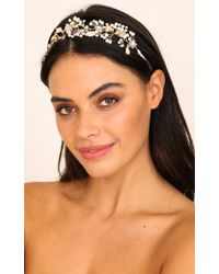 Showpo - Facing You Headband In Gold - Lyst