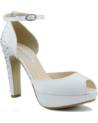 Ángel Alarcón - Wedding Shoes Women's Court Shoes In White - Lyst