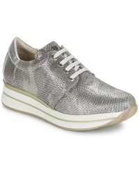 Pitillos - Mananu Women's Shoes (trainers) In Silver - Lyst