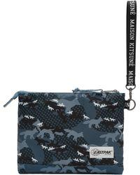 Maison Kitsuné - Pochette a motif camouflage bleue Isabelle edition Eastpak - Lyst