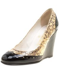 d2d03e4d0c0 Chanel - Metallic Gold And Black Patent Brogue Leather Wedge Court Shoes  Size 35.5 - Lyst