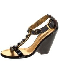 Giuseppe Zanotti - Patent Leather Stud Embellished T Strap Wedge Sandals - Lyst