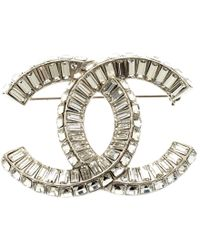 Chanel - Cc Baguette Crystal Embellished Tone Pin Brooch - Lyst