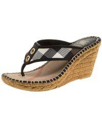 Burberry - Novacheck Canvas Espadrille Thong Wedge Sandals - Lyst