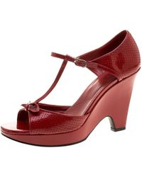 Tod's - Maroon Patent Leather T Strap Wedges - Lyst