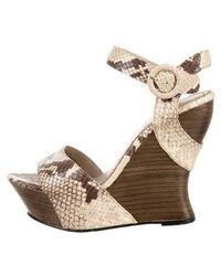 Alice + Olivia - Embossed Wedge Sandals - Lyst