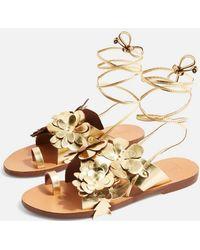 TOPSHOP - Flower Toe Loop Sandals - Lyst