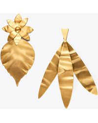 Tory Burch - Mismatched Hammered Leaf Earring - Lyst