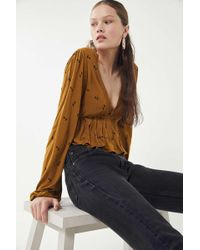 Urban Outfitters - Uo Noah Plunging Ruffle Cropped Top - Lyst