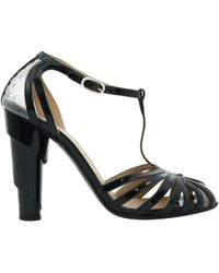 Chanel - Pre-owned Black Patent Leather Sandals - Lyst