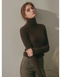 YAN13 - Skin Slim Turtle Knit_ Brown - Lyst