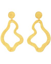 Kenneth Jay Lane - Wavy 2 1/3 Drop Pierced Earrings (satin Gold) Earring - Lyst