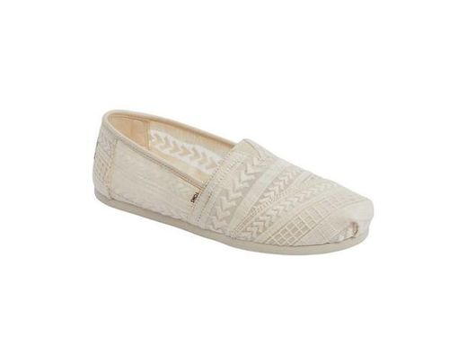 7ba8f9e3e46 Lyst - TOMS Natural Arrow Embroidered Mesh Women s Classics in Natural -  Save 10%