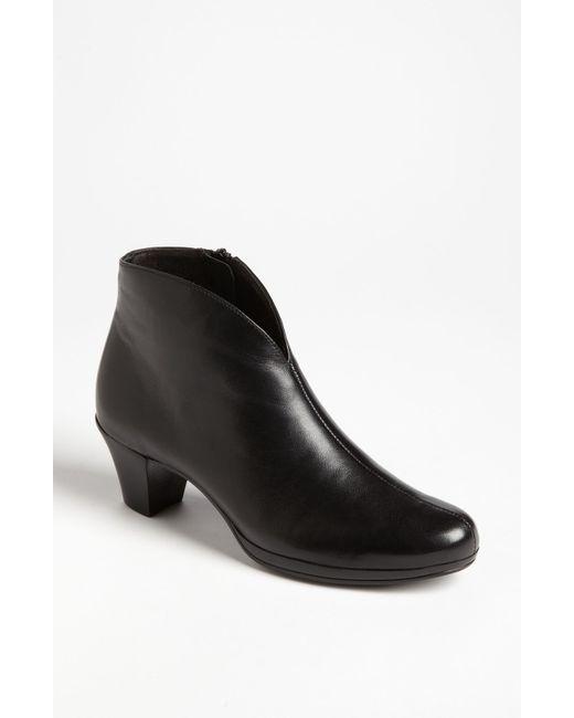 Munro | Black 'robyn' Boot | Lyst