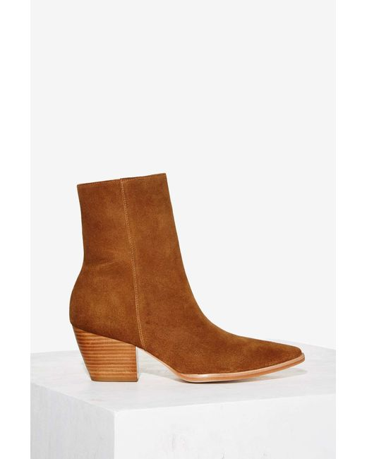 Nasty Gal Exclusive Matisse Caty Suede Boot In Brown