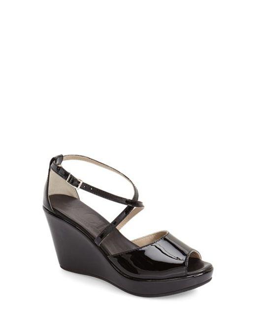Black Poppy Shoes Wedge
