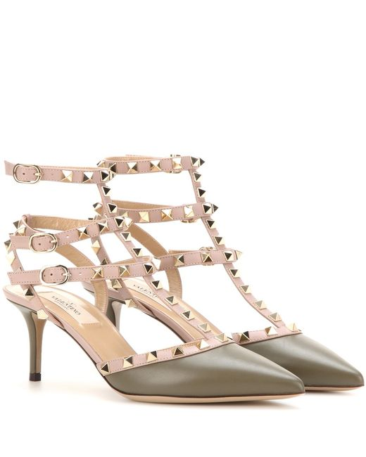 valentino rockstud leather kitten heel pumps in green lyst. Black Bedroom Furniture Sets. Home Design Ideas