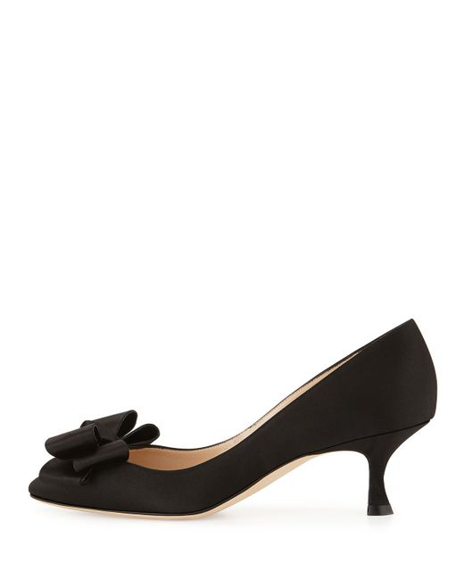 manolo blahnik lisane satin bow kitten heel in black