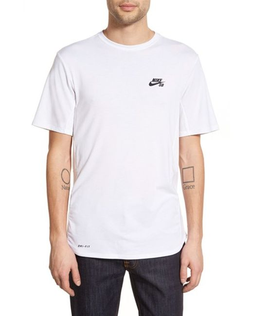 Nike 39 Sb Skyline Dri Fit Cool 39 Graphic T Shirt In White