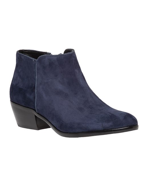 Find navy boots women at ShopStyle. Shop the latest collection of navy boots women from the most popular stores - all in one place. Womens Blue Boots Women's Blue Ankle Boots Womens Navy Ankle Boots Navy Women's Knee High Boots Blue Shoe Boots Women Womens Blue Leather Boots Dark Blue Ankle Boots Women Top brands For navy boots women UGG.