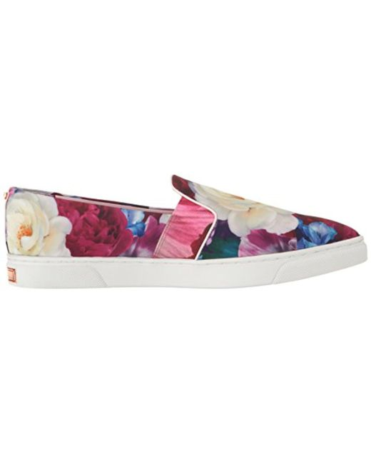 Thfia Blushing Bouquet Slip On Plimsolls - Blushing bouquet tex Ted Baker 3mrzi