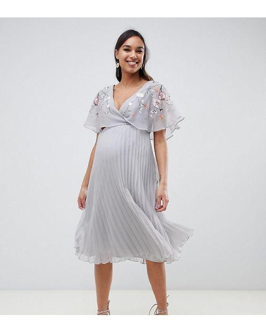 e8e9772585 ASOS - Gray Asos Design Maternity Flutter Sleeve Midi Dress With Pleat Skirt  In Embroidery ...